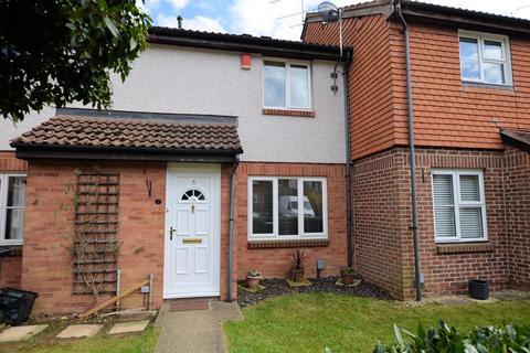 3 bedroom terraced house for sale - Huscarle Way, Tilehurst, Reading