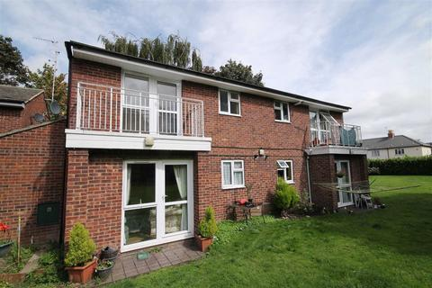 1 bedroom flat to rent - Aldridge Close, Cheltenham