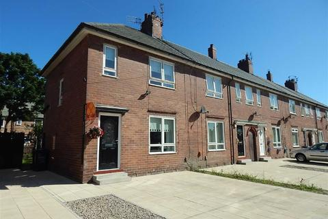 2 bedroom terraced house for sale - Midway, Walker, Newcastle Upon Tyne, NE6