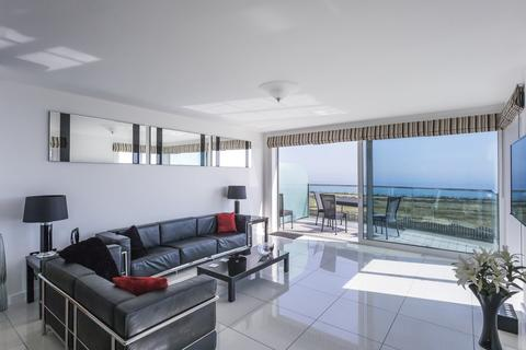 3 bedroom apartment for sale - Blue Bay, Bournemouth, Dorset