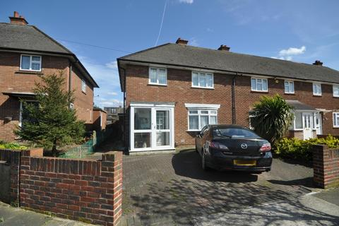 3 bedroom end of terrace house for sale - Kempton Avenue, Hornchurch, Essex, RM12
