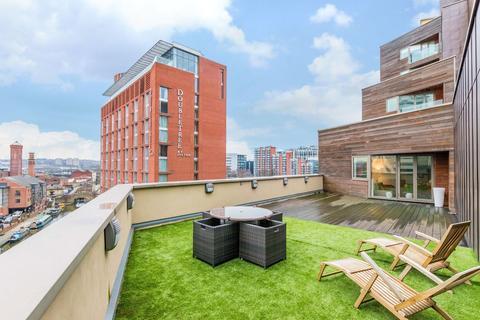 3 bedroom apartment to rent - Watermans Place, Leeds