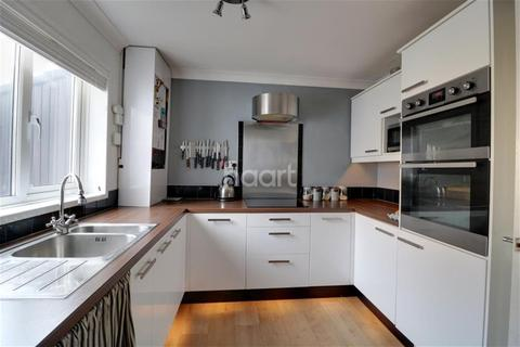 2 bedroom terraced house to rent - Tansy Close, NR6