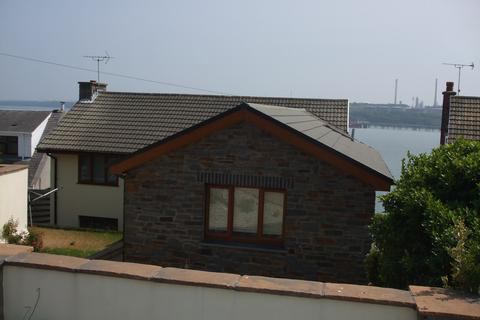 4 bedroom detached house to rent - 28 Pointfields Crescent,Hakin. SA73 3AD