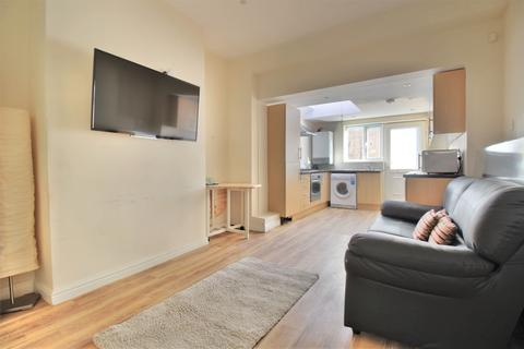 5 bedroom end of terrace house to rent - Leamington street, Sheffield S10
