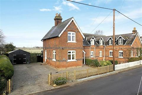 2 bedroom semi-detached house for sale - Tawney Lane, Stapleford Tawney, Essex