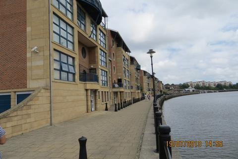 2 bedroom flat to rent - Mariners Wharf, Quayside, NE1