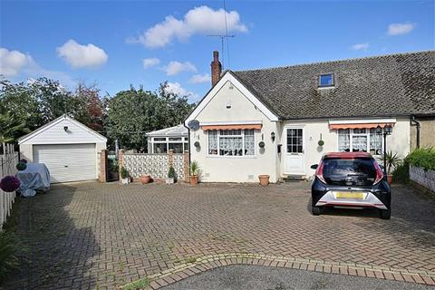 3 bedroom chalet for sale - Willow Place, Hastingwood