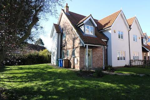 4 bedroom semi-detached house to rent - St. Marys Walk, Swanland