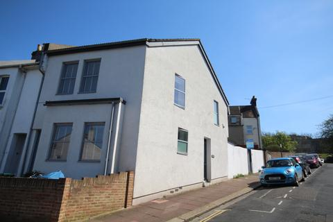 2 bedroom end of terrace house for sale - Ryde Road, Brightn BN2