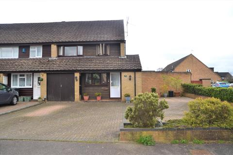 3 bedroom end of terrace house for sale - Tithebarn Grove, Calcot, Reading, Berkshire, RG31
