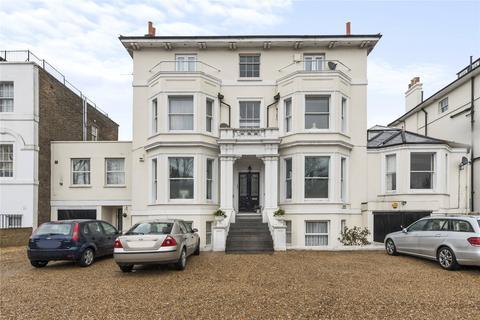 2 bedroom bungalow for sale - Shooters Hill Road, Blackheath, London, SE3