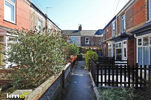 2 bedroom terraced house to rent - Claremont Avenue, Hull, HU5 3NT