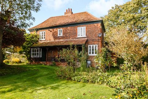 3 bedroom detached house for sale - Private Road, Galleywood Common, Chelmsford, CM2