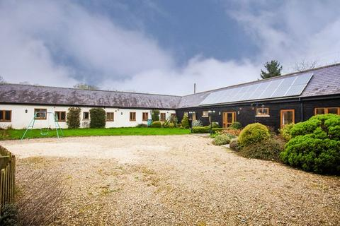 5 bedroom barn conversion to rent - Akeley Wood