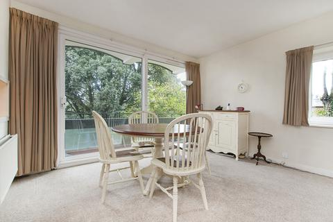 2 bedroom flat to rent - Clare Court, SW19