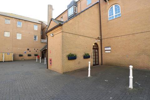 1 bedroom apartment to rent - Starboard Court, Brighton Marina Village