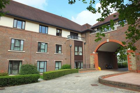 2 bedroom flat for sale - St Georges Park, Ditchling Common, RH15