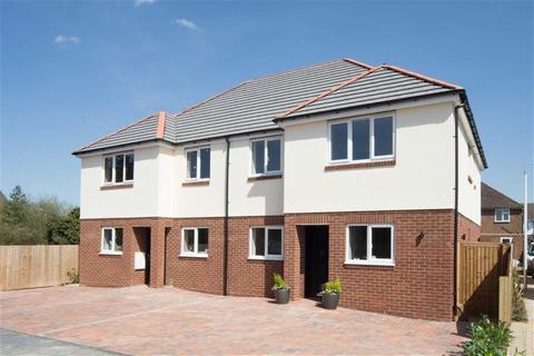 3 bedroom semi-detached house for sale - Poets Mews, Luton, Bedfordshire, LU4