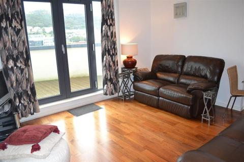 2 bedroom flat to rent - South Quay, Marina