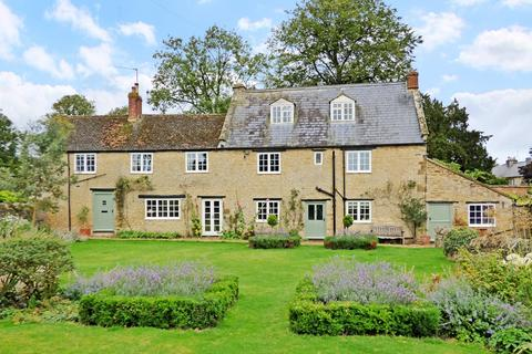 6 bedroom detached house to rent - Old Lane, Farthinghoe, Northants