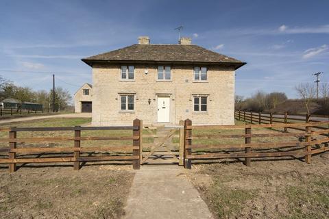 3 bedroom detached house to rent - Deene Park, Deene, Corby,