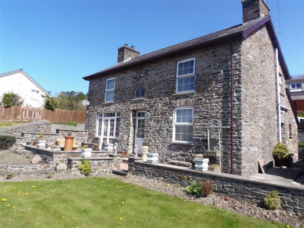 4 Bedrooms Detached House for sale in Fronheulog, Pwllhobi, Llanbadarn, Aberystwyth, Ceredigion, SY23