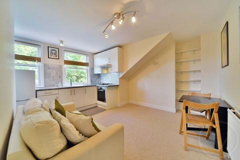 1 bedroom apartment to rent - Fairhazel Gardens, South Hampstead, London, NW6