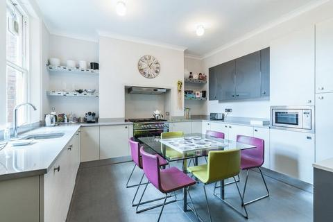 4 bedroom apartment for sale - Avenue Mansions, Finchley Road, London, NW3