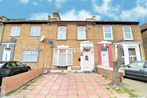 3 bedroom terraced house for sale - Grange Road, Ilford, Essex