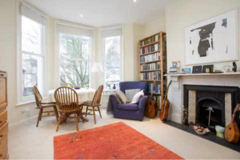 1 bedroom flat to rent - Birkbeck Road, Acton