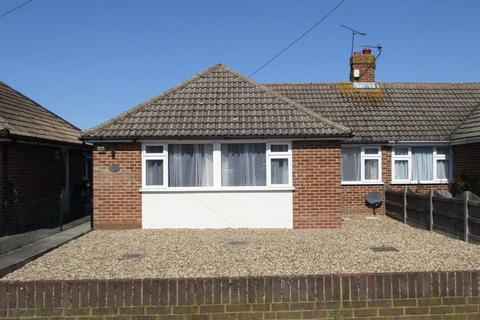 2 bedroom bungalow to rent - Woodnesborough Road, Sandwich, Kent