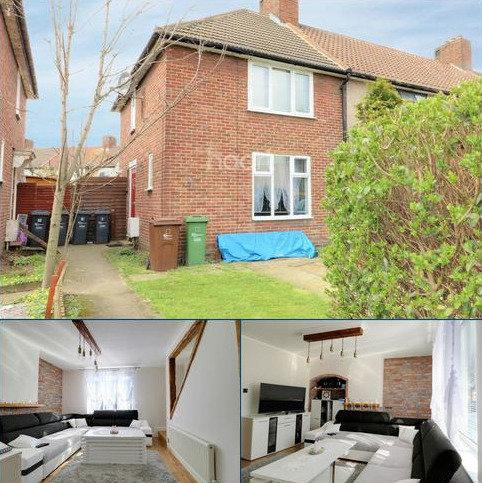 2 bedroom end of terrace house for sale - Gale Street, Dagenham