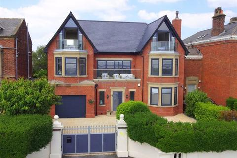 5 bedroom detached house for sale - East Beach, Lytham