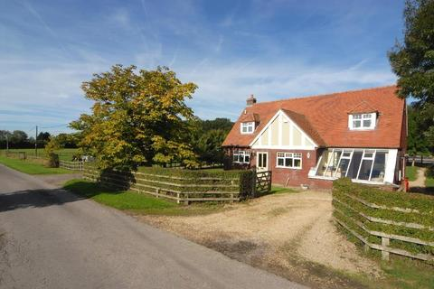 3 bedroom country house for sale - Braydon, Swindon