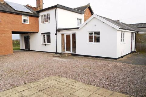 3 bedroom cottage for sale - Chester Road, Acton, Nantwich