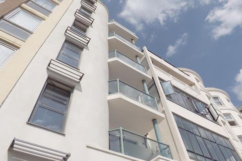 2 bedroom flat for sale - King's Road Brighton East Sussex BN1