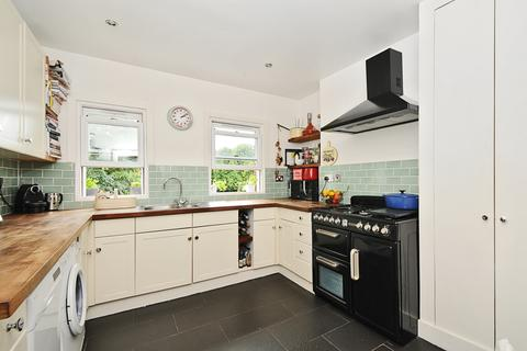 2 bedroom apartment to rent - Dulwich Road London SE24
