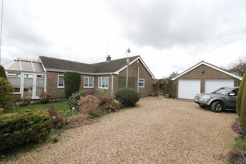 2 bedroom detached bungalow for sale - Hogsgate, Moulton