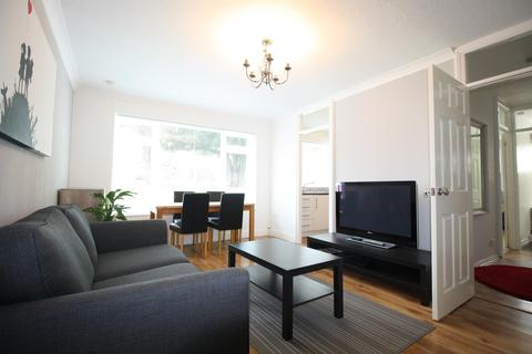 1 bedroom ground floor flat to rent - Windsor Court , Southlands Grove , Kent, BR1 2BY