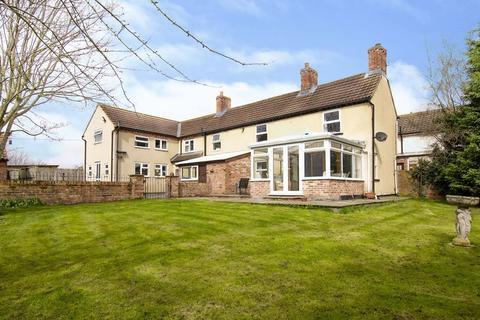 4 bedroom farm house for sale - Cottam, Retford