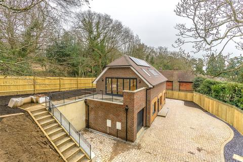 3 bedroom detached house for sale - Rockfield Road, Oxted, Surrey, RH8