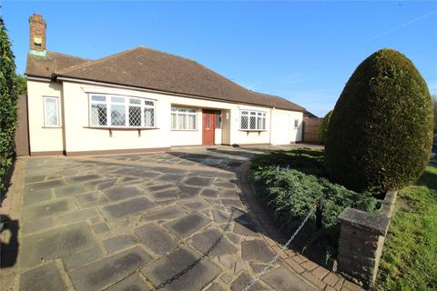 3 bedroom detached bungalow for sale - Wingletye Lane, Hornchurch, RM11