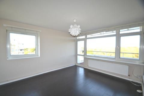 2 bedroom flat to rent - Norley Vale, Roehampton SW15