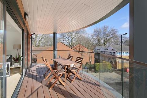 2 bedroom flat to rent - Cape Apartments, 130 Rotherhithe New Road, London, SE16 2AP