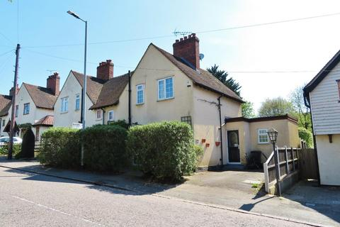 3 bedroom semi-detached house for sale - Brook Road, Buckhurst Hill