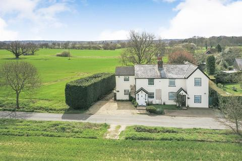 3 bedroom semi-detached house for sale - Padhams Green, Mountnessing