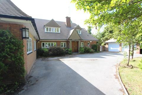4 bedroom detached house to rent - Avenue Road, Dorridge, Solihull