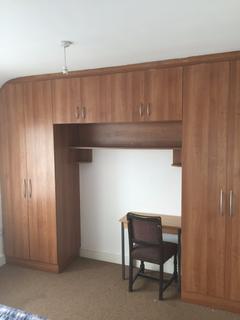 1 bedroom flat to rent - Waye Avenue Waye Avenue,  Hounslow, TW5