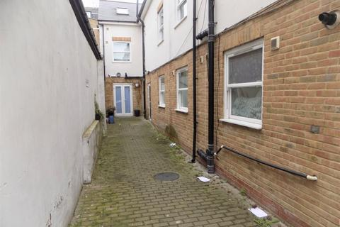 1 bedroom flat to rent - Clarence Mews, London